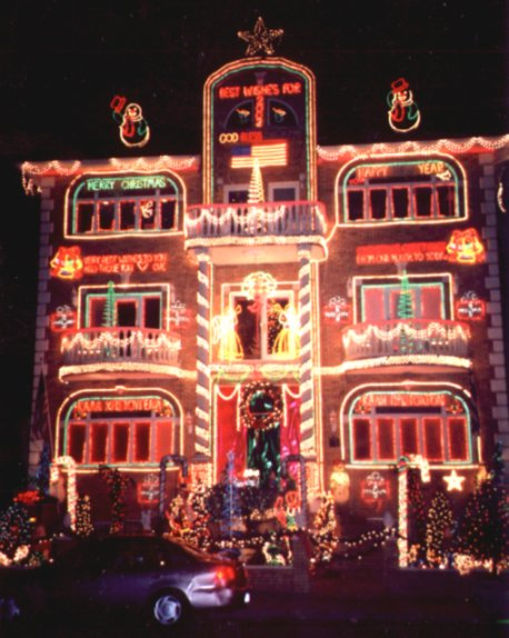 Dyker Heights - Photos of Christmas Lights in Brooklyn, New York